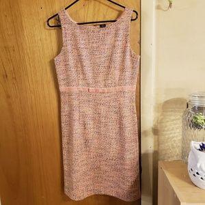 ♥️3 for $30♥️ pink tweed gap dress